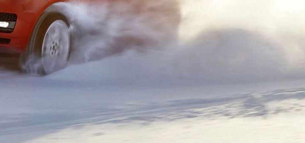 Спасатели Днепра достают автомобили из снежного плена (ФОТО)