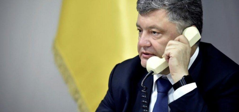 Порошенко хочет санкций против РФ за блокаду Азовского моря