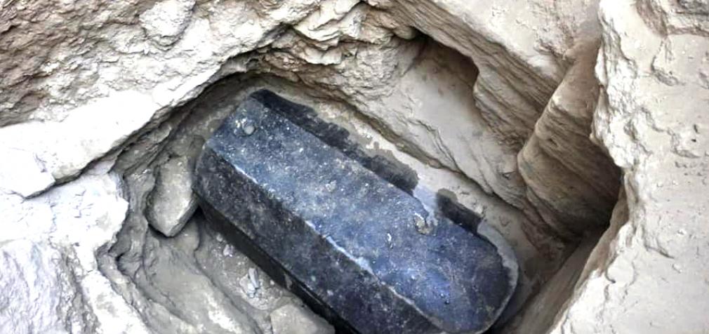 Ученые установили, кто был похоронен в египетском черном саркофаге