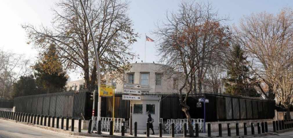 Посольство США в Анкаре обстреляли неизвестные