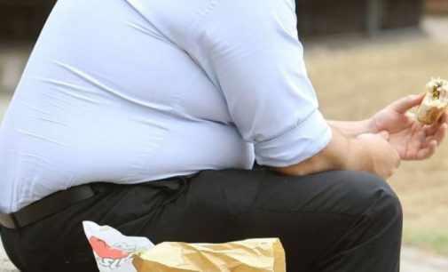 Ожирение приводит к депрессии — ученые