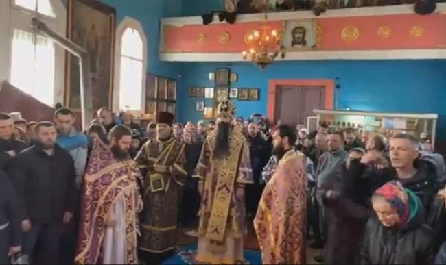 Вы пришли молиться? И мы пришли молиться!, - в Винницкой области прихожане ПЦУ и УПЦ МП не поделили храм 01