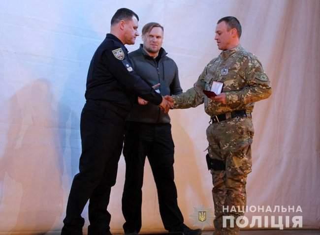 Добровольцы, которые несут службу в зоне проведения ООС, получили награды от руководства МВД и Нацполиции 07