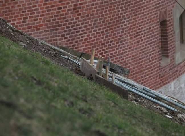 Украинский рабочий погиб под завалом на стройке в Кракове 02