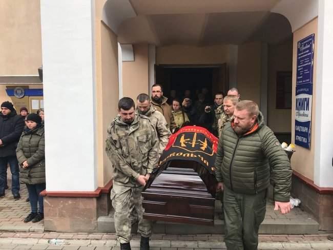 Ивано-Франковск простился с капелланом-парамедиком Госпитальеров Сергеем Морозом 05