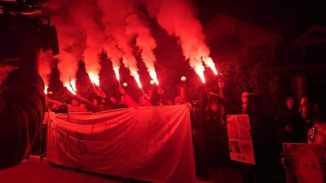 Активисты инициативы Хто замовив Катю Гандзюк? провели акцию у дома генпрокурора Луценко 06