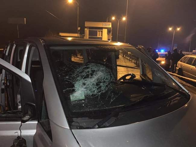 На пункте весового контроля на трассе Одесса-Киев произошел вооруженный конфликт, есть раненые 01