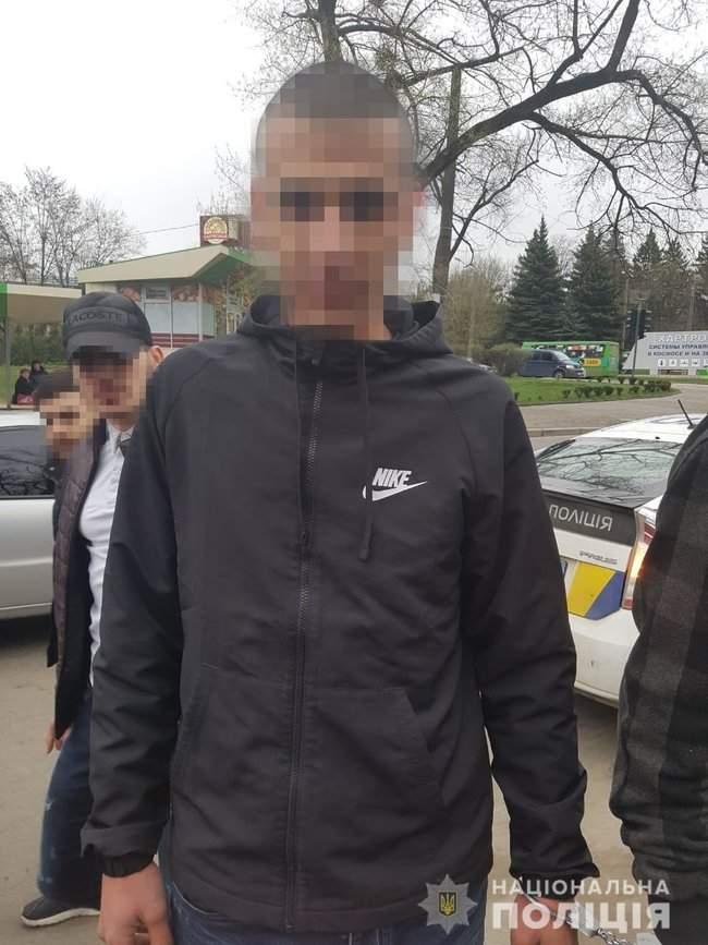 Граждане Израиля устроили стрельбу возле воинской части в Харькове, - полиция 02