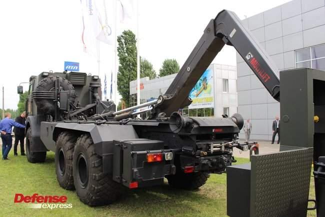 Танковая пушка, 120-мм миномет Бучарда, РЛС, антидроновские винтовки и цифровой солдат: в Броварах представили новые образцы от украинских частных оборонных компаний 09