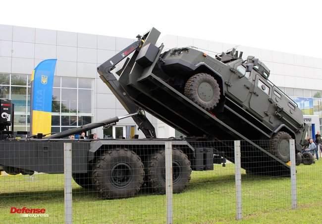 Танковая пушка, 120-мм миномет Бучарда, РЛС, антидроновские винтовки и цифровой солдат: в Броварах представили новые образцы от украинских частных оборонных компаний 26