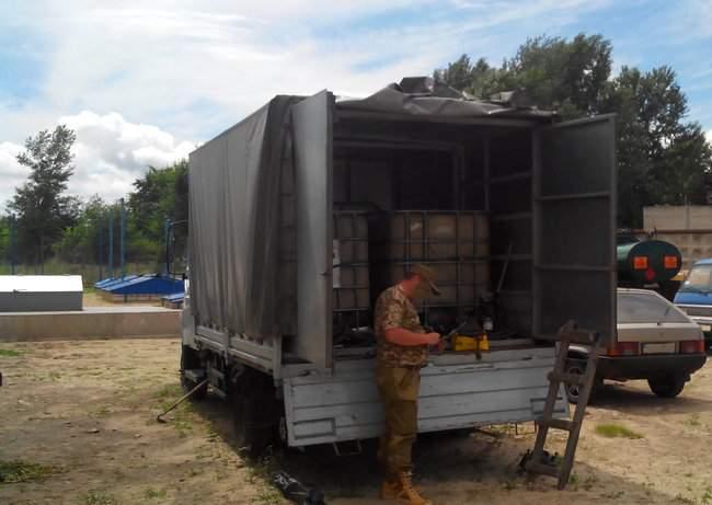 Налоговики ликвидировали нелегальное производство горючего на Луганщине 06