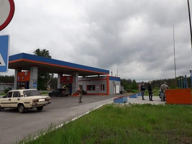 Налоговики ликвидировали нелегальное производство горючего на Луганщине 03