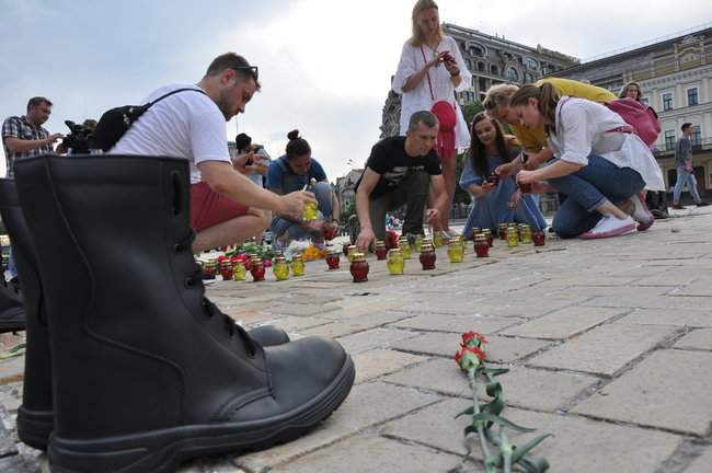 49 пар берцев: в Киеве почтили память воинов, погибших 5 лет назад при крушении ИЛ-76 12