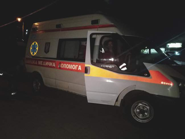 Ночью в 16-этажном жилом доме в Киеве произошел пожар, жильцы эвакуированы 04
