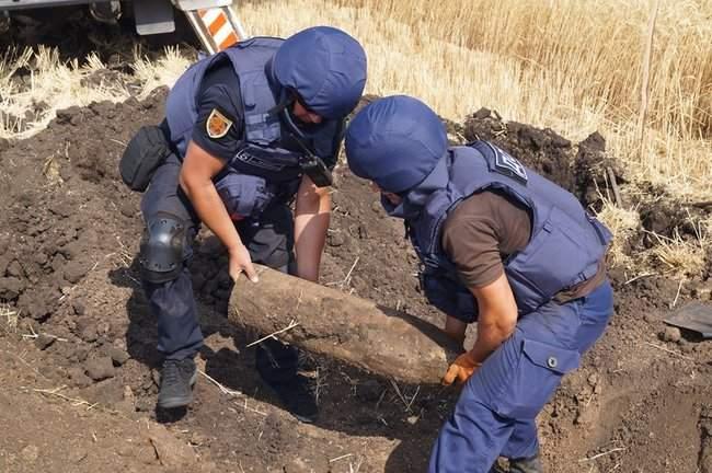 В течение недели спасатели из состава ОС обезвредили 247 взрывоопасных предметов 02