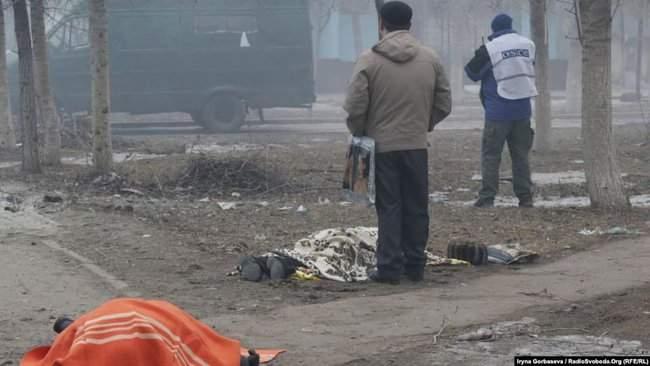 Восточный помнит, - корректировщика обстрела Мариуполе Кирсанова местные жители облили зеленкой и соком 03