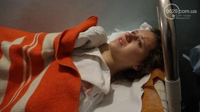 Восточный помнит, - корректировщика обстрела Мариуполе Кирсанова местные жители облили зеленкой и соком 05