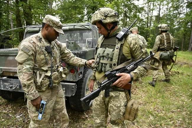 Рота 93-й ОМБр в составе механизированного батальона США принимает участие в международных учениях Combined Resolve-XII 08