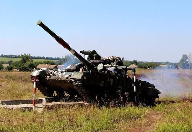 Учения танковых подразделений прошли на одном из полигонов Донетчины, - Минобороны 03