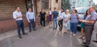 Покіс, прибирання, дороги, своєчасний вивіз ТПВ: мер Кам'янського провів об'їзд