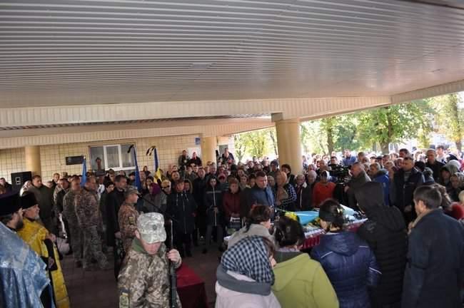 Погибшего на Донбассе украинского воина Ивана Дейкуна похоронили в Кировоградской области 02