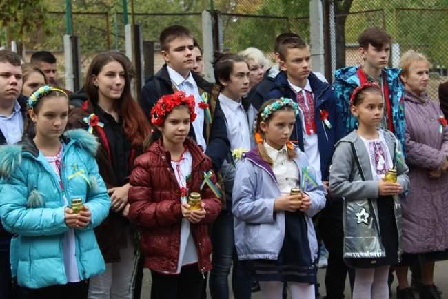 В Киеве торжественно открыли мемориальные доски трем военнослужащим, погибшим на Донбассе 06