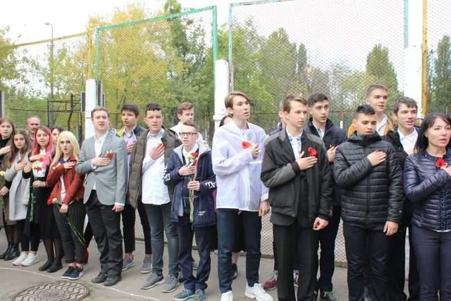 В Киеве торжественно открыли мемориальные доски трем военнослужащим, погибшим на Донбассе 09