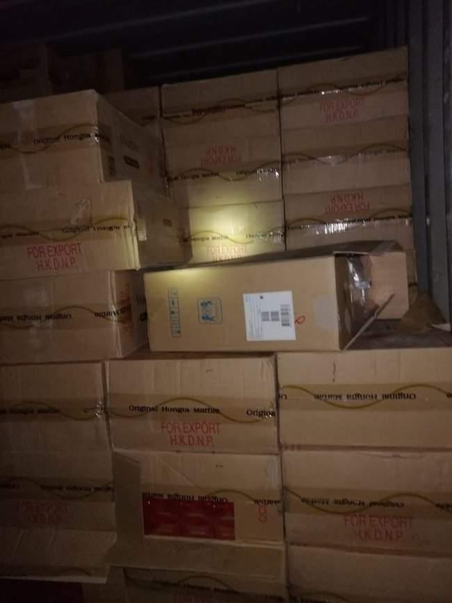 Украинские силовики помогли румынским коллегам ликвидировать крупнейший канал контрабанды сигарет в Европу 07