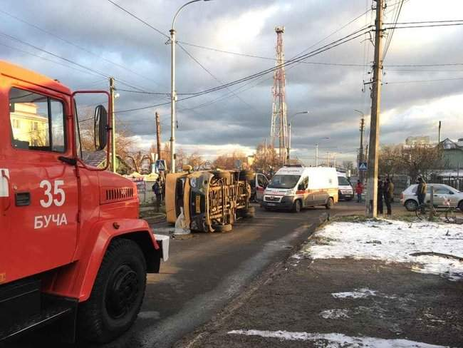 В Буче в результате ДТП с участием маршрутки погибли два человека, трое госпитализированы, - Нацполиция 01