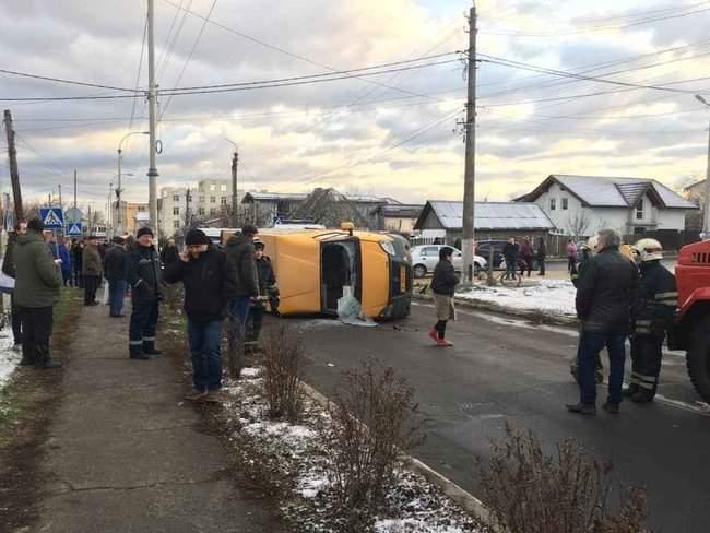 В Буче в результате ДТП с участием маршрутки погибли два человека, трое госпитализированы, - Нацполиция 02