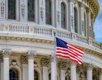 Сенат США выделил на борьбу с коронавирусом 2 трлн долл