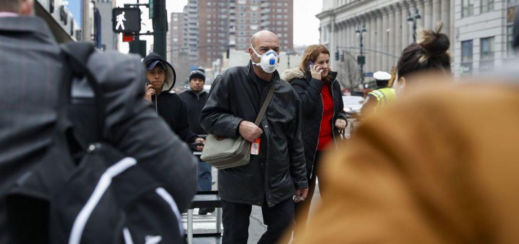 В США от коронавируса умерло более 3000 человек, больницы переполнены