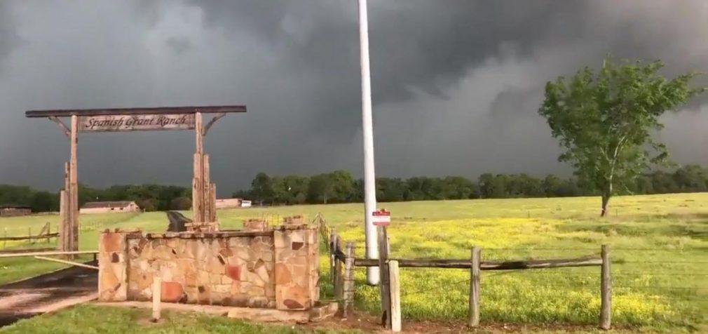 На Миссисипи и Алабаму обрушились мощнейшие торнадо