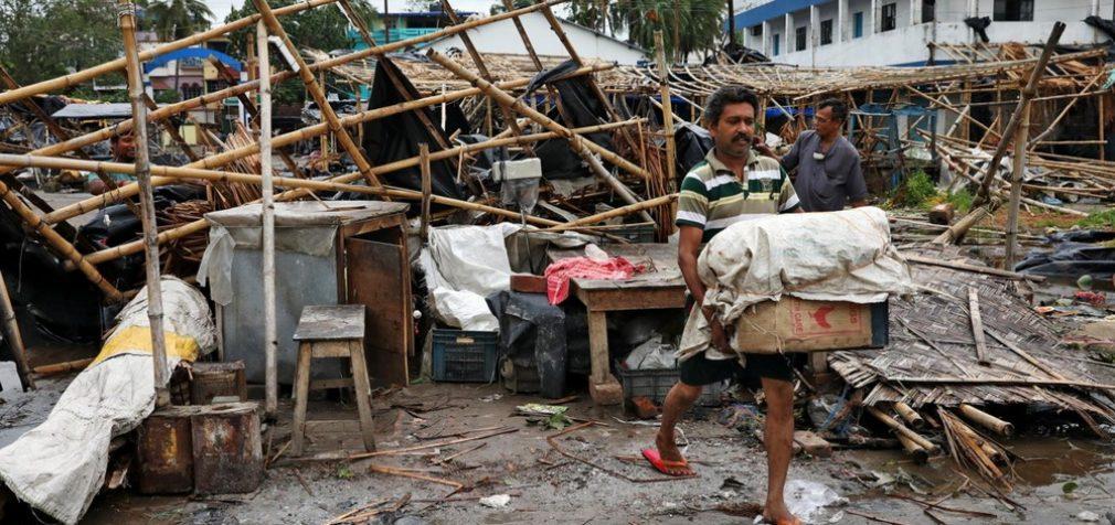 Количество жертв урагана «Амфан» превысило 80 человек