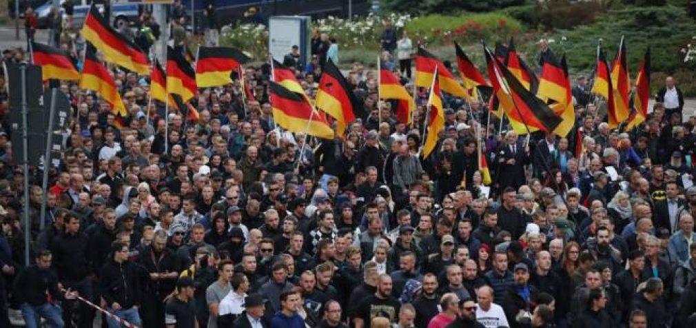 В ряде стран мира вспыхнулиантиправительственные бунты