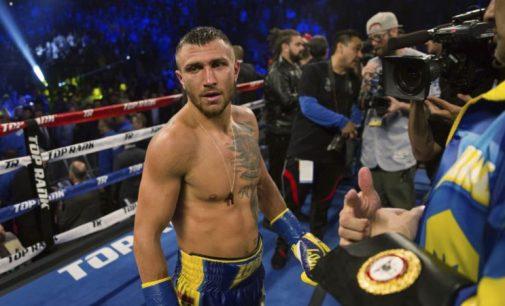 Ломаченко потребує операції на плечі, він відчув біль у другому раунді бою з Лопесом – менеджер