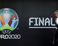 Фани повертаються на трибуни, на міжнародні матчі продаватимуть третину квитків– Павелко