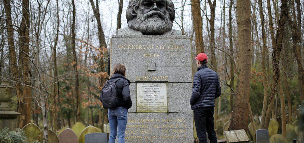 Некропольный туризм: в Британии на кладбища привлекают туристов
