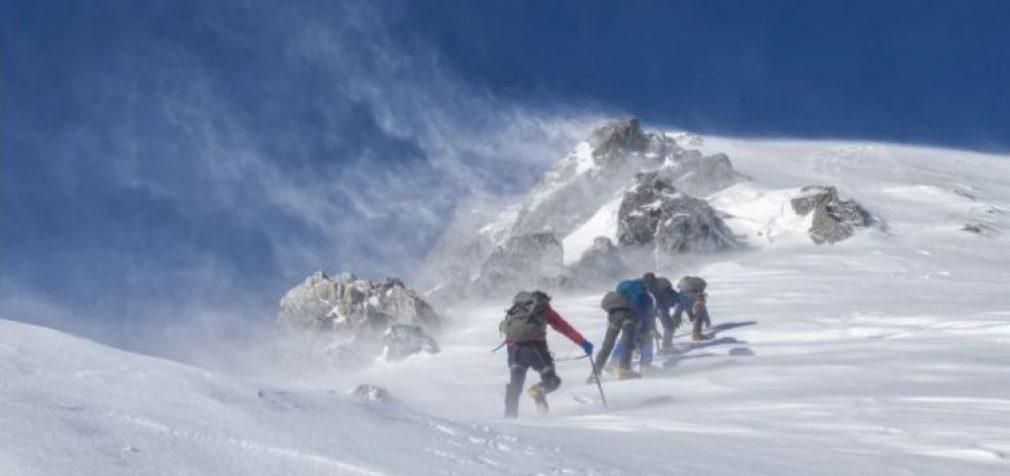 Во многих странах бушует непогода, в Иране погибли 10 альпинистов