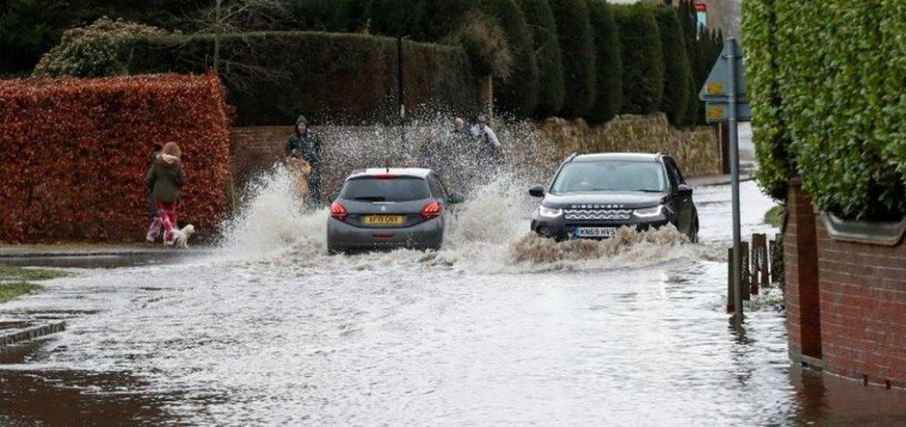 В Европе бушует шторм «Белла», есть погибшие и пострадавшие