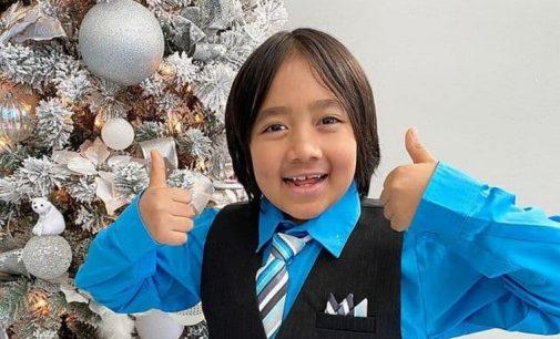 Девятилетний мальчик возглавил рейтинг самых богатых ютуберов