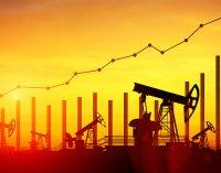 Цены на нефть начали расти на фоне уменьшения запасов