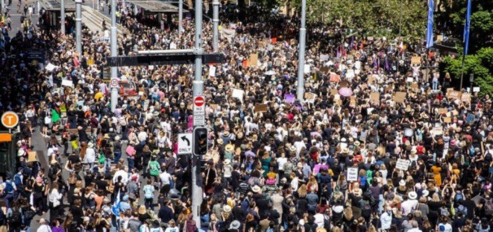 Протестные настроения нарастают во многих странах мира