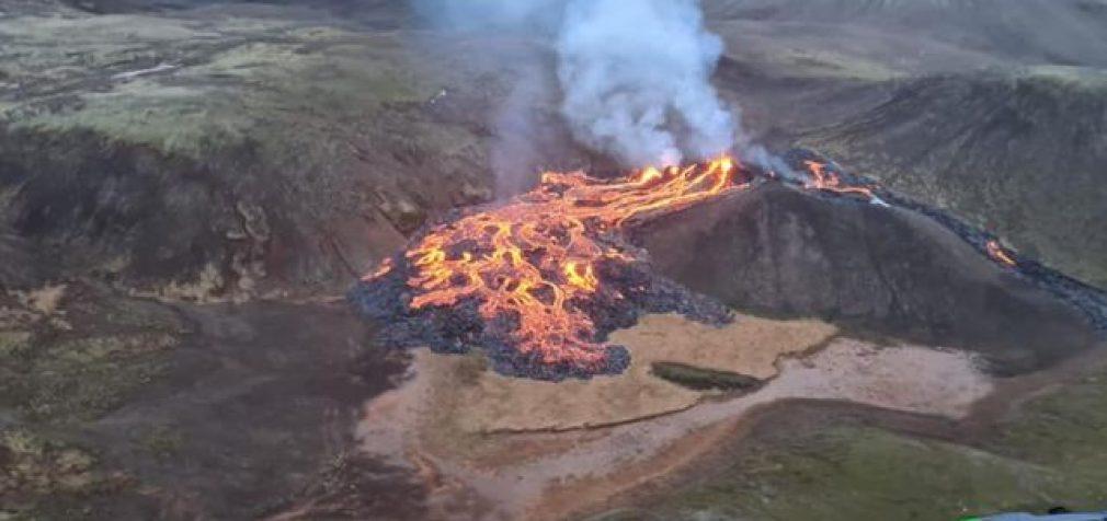 В Исландии проснулся вулкан, в Австралии – наводнения