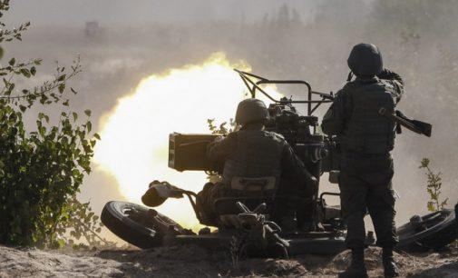 Эскалация на Донбассе и стягивание войск: чего добивается РФ