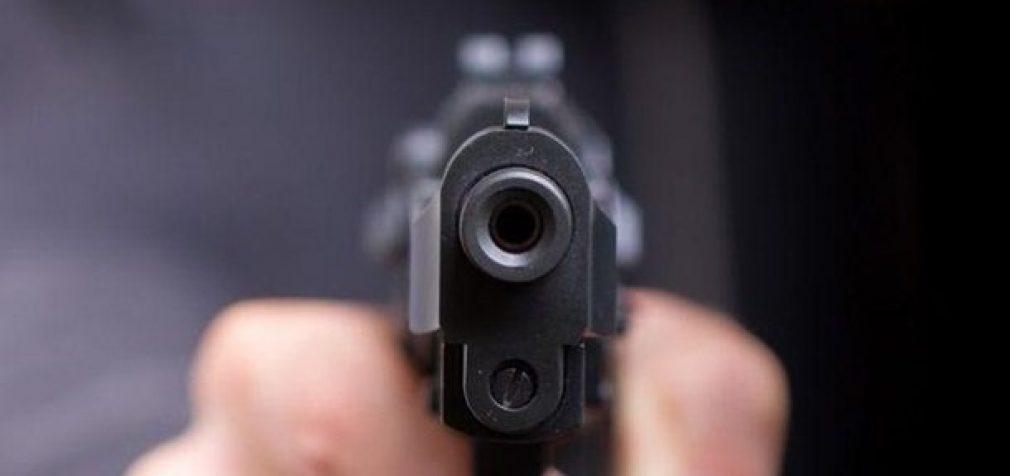 """В Днепре возле ночного клуба """"РИО"""" обстреляли автомобиль"""