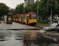 В Днепре из-за ливня трамваи меняют график движения: подробности