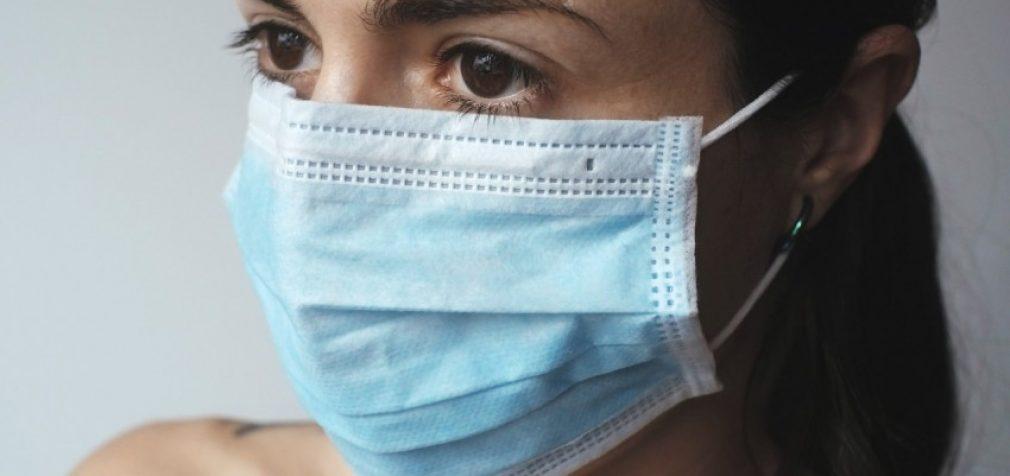 Медицинские маски влияют на кожу лица, – эксперт
