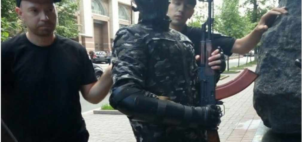 Задержанный под Кабмином подросток с оружием шел «стрелять депутатов»
