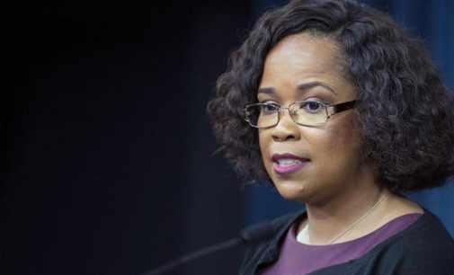Пресс-секретаря Пентагона обвинили в злоупотреблении полномочиями — CNN